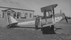 VH-ULM at Western Junction 1933
